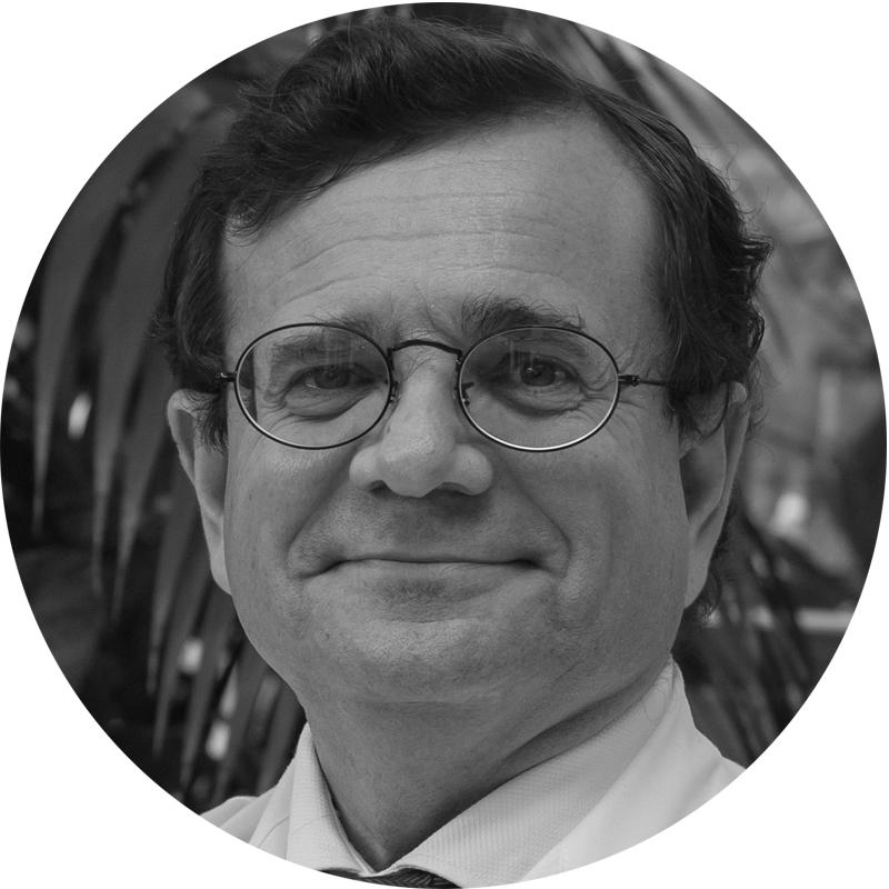 Dr. Juan Luis Alcázar